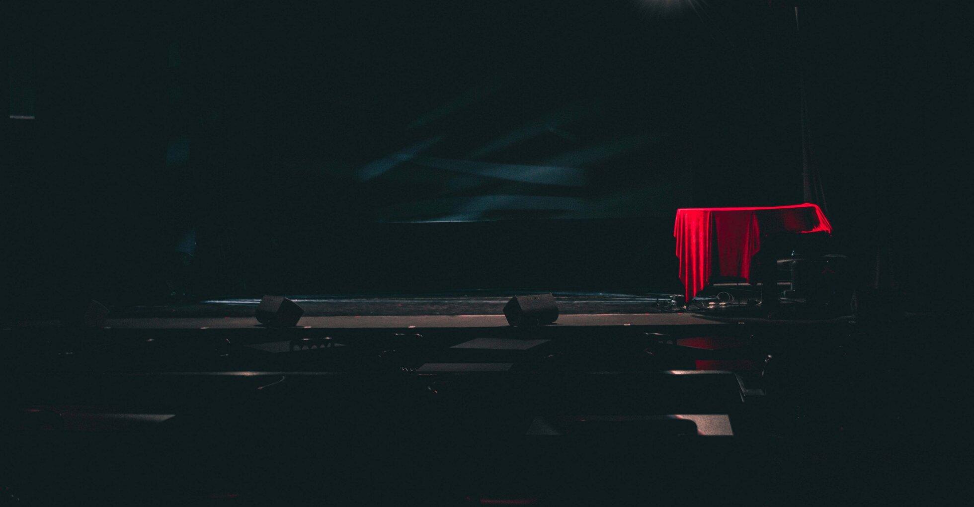 Rotes Piano